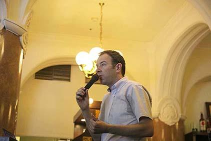 講師のエリック・ロズワドスキ先生
