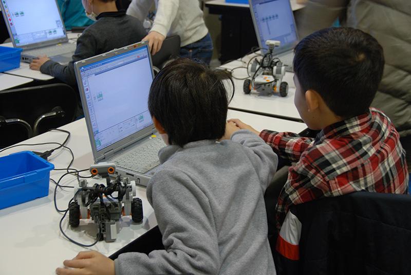 PC教室/ロボット教室「ブロックロボットでプログラミングに挑戦 レゴNXT初級②」