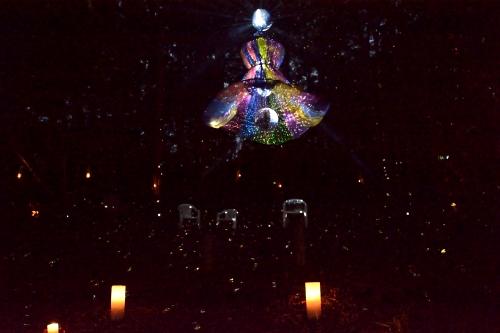 「mugen candle」のキャンドルやアート集団の「MIRRORBOWLER」
