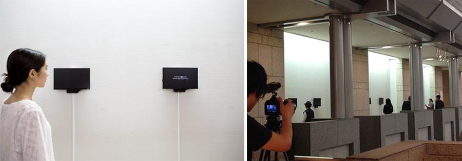 左:横浜美術館での展示風景 右:横浜美術館にて、モニターを外す風景