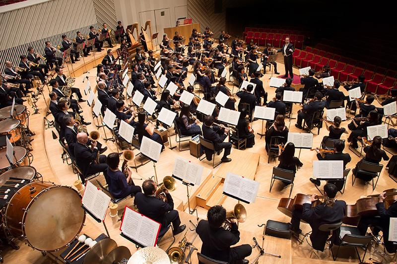クシシュトフ・ウルバンスキ 指揮 東京交響楽団