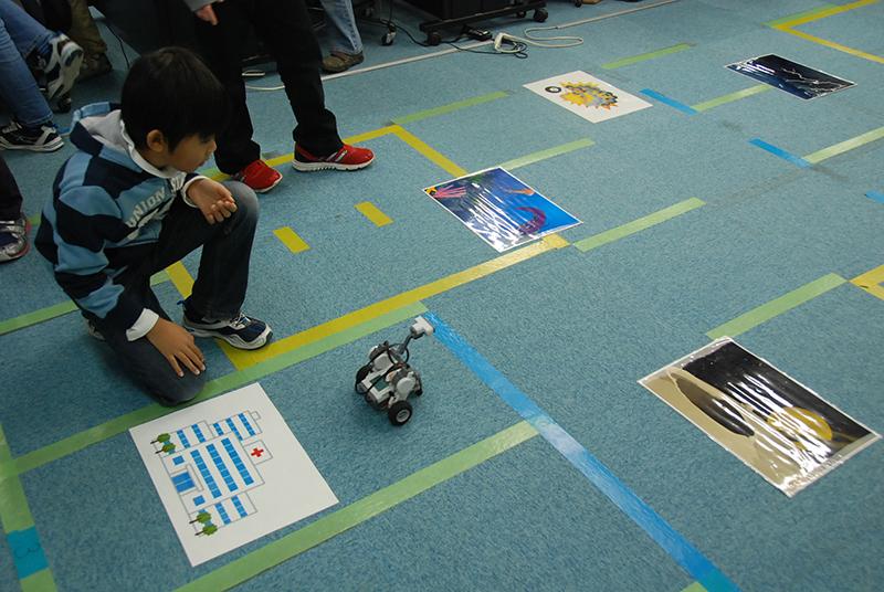 ロボット教室 「ブロックロボットでプログラミングに挑戦 レゴNXT初級②-1(レスキュー)」