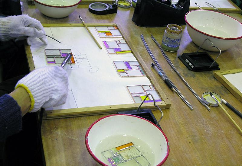 美術基礎講座 ステンドグラスのサンキャッチャーを作る