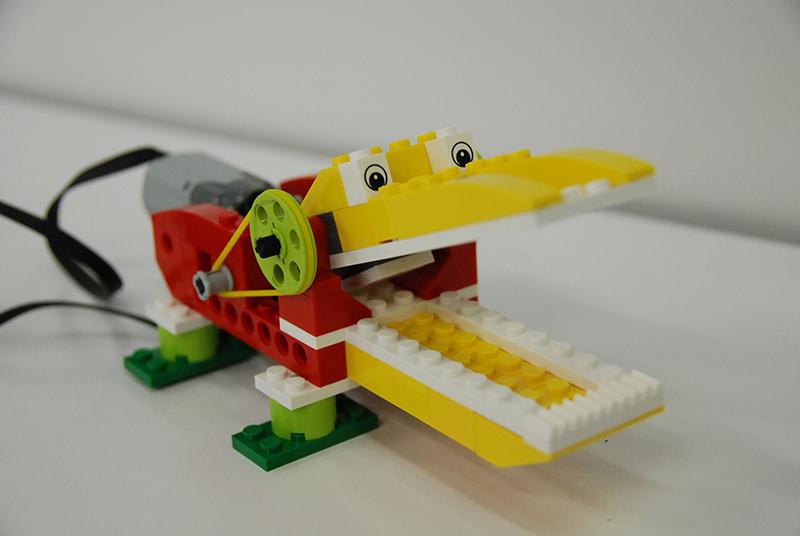 ロボット教室【親子教室】 「初めてのプログラミング ~レゴWeDoを使って~(おなかをすかせたワニ)」