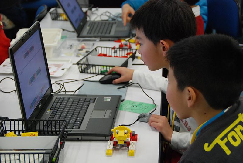 ロボット教室「初めてのプログラミング・アドバンス ~レゴWeDoを使って~(センサープログラミング)」
