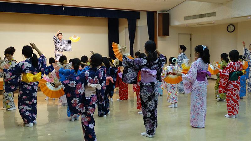 平成27年度かながわ伝統芸能ワークショップ 日本舞踊に学ぶ'和'の作法 ~おくゆかしい日本文化の香り~