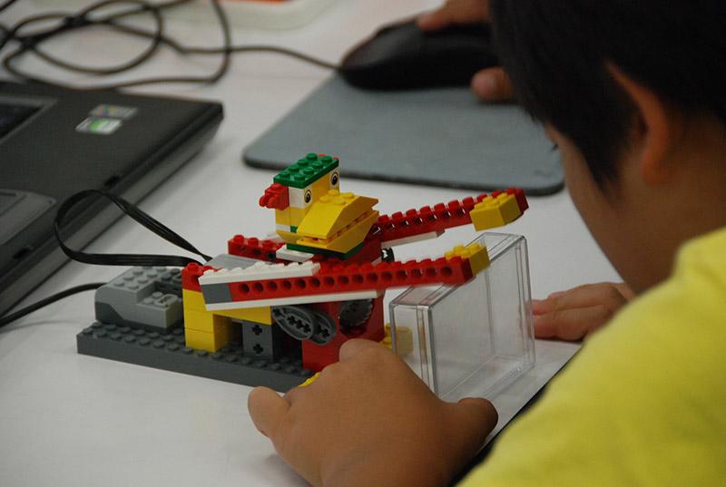 ロボット教室 「初めてのプログラミング・アドバンス ~レゴWeDoを使って~(センサープログラミング)」