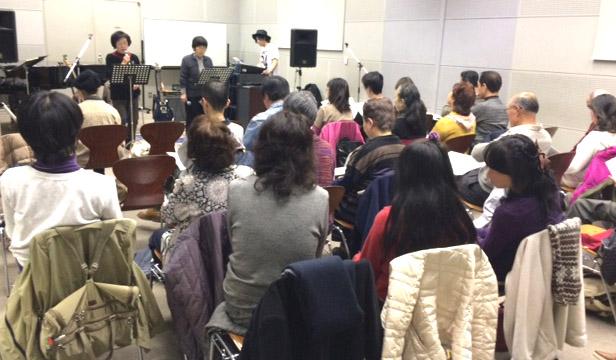 プロに教わる!初心者のためのマイクを使った歌いかた体験講座