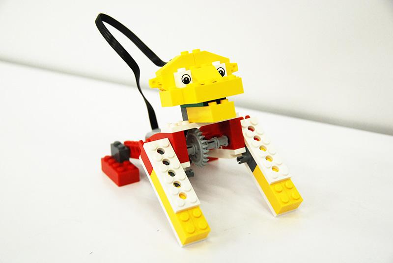 ロボット教室【親子教室】「初めてのプログラミング-〜レゴWeDoを使って〜(ほえるライオン)」