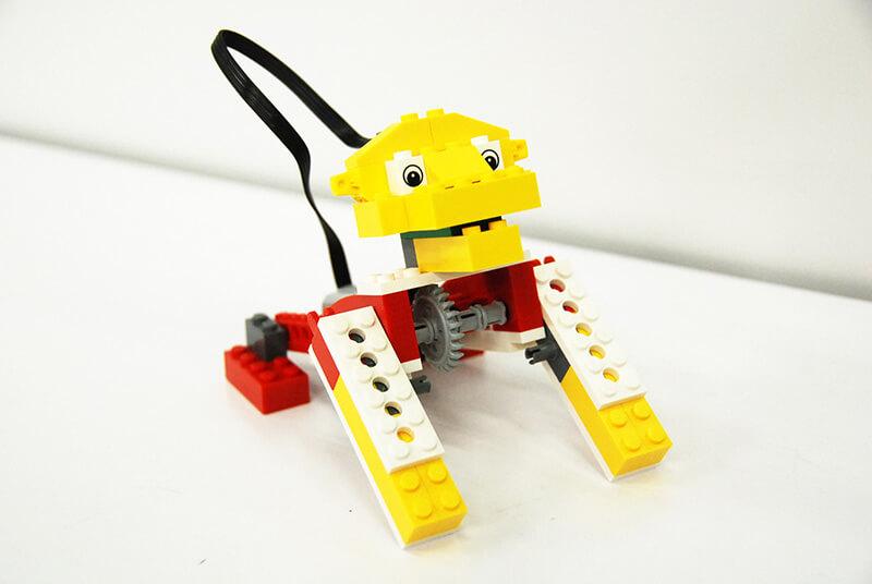 ロボット教室【親子教室】「初めてのプログラミング ~レゴWeDoを使って~(ほえるライオン)」