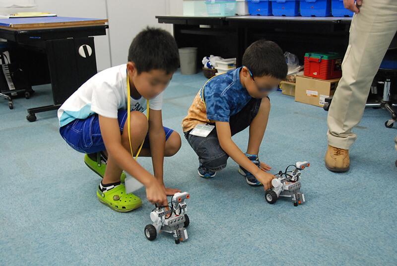 ロボット教室「ブロックロボットでプログラミングに挑戦 レゴNXT初級㈰(基本操作)」