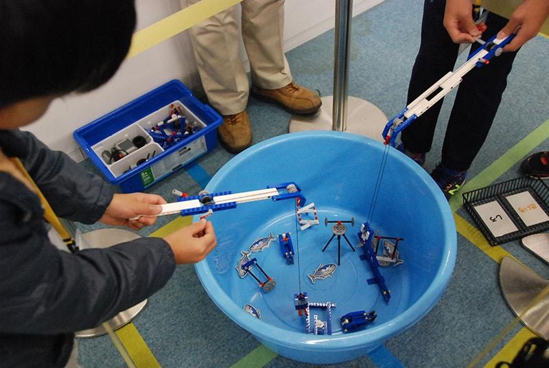 ロボット教室「サイエンス&テクノロジー ~レゴで学ぶ科学の原理~ ルアーフィッシング!」