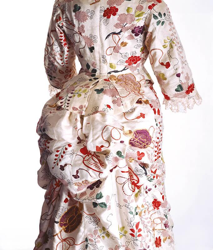 ターナー[イギリス]「ドレス」1870年代 京都服飾文化研究財団蔵 リチャード・ホートン撮影