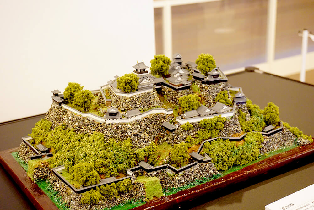 A diorama of Kochi Castle. The height difference is easy to understand