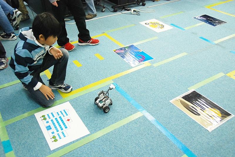 ロボット&プログラミング教室「ブロックロボットでプログラミングに挑戦 レゴNXT初級②-1(レスキュー)」