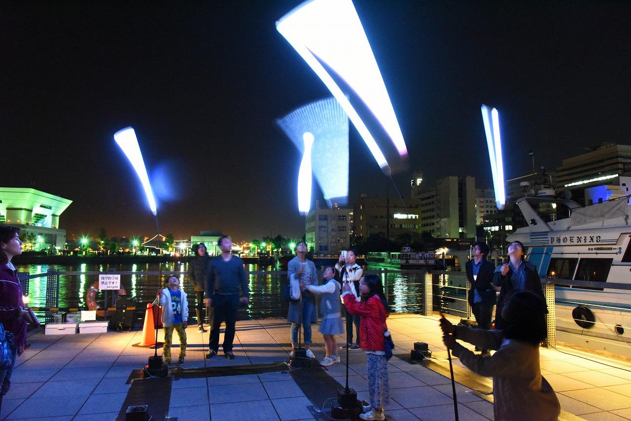 画像:umi no mori / 城西国際大学 SENSESCAPE DESIGN Lab. / FutureCity Yokohama Smart Illumination Award 2016・優秀賞 photo: AMANO STUDIO