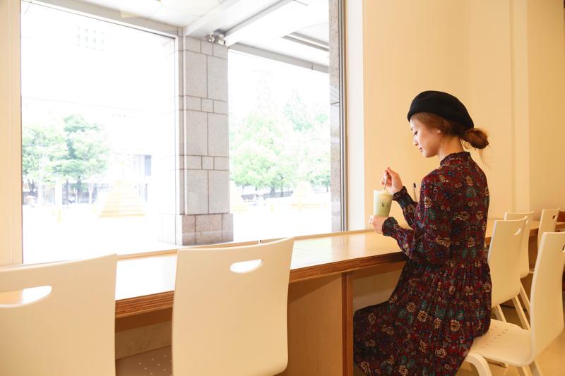 """在建筑物内,侧重于""""外观,制造,学习""""。从各个角度感受艺术气息"""