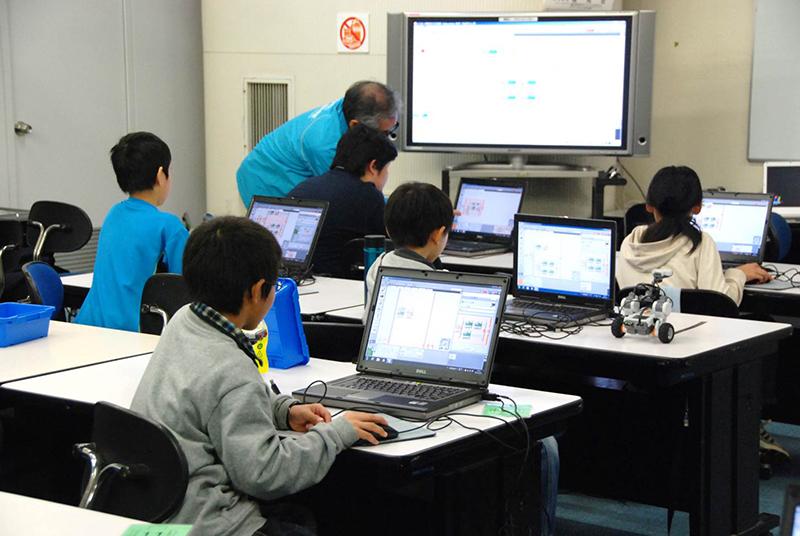PC教室/ロボット教室「ブロックロボットでプログラミングに挑戦! レゴNXT 中級」