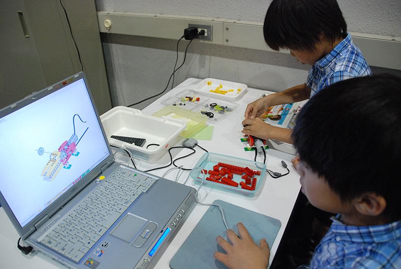 PC教室「初めてのプログラミング~レゴWeDoを使って~」