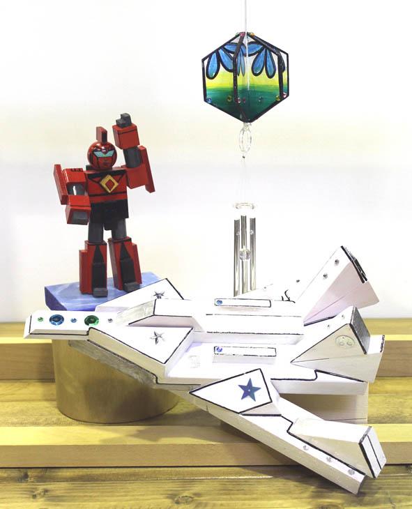 秋の体験工房 期間限定メニュー 木をくっつけて楽しもう♪ ロボット・宇宙船・ウィンドチャイムづくり