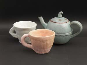 陶芸 パステルカラーのティーカップ作り