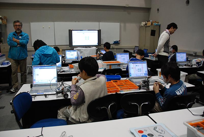 PC教室/ロボット教室「ブロックロボットでプログラミングに挑戦 レゴNXT中級」