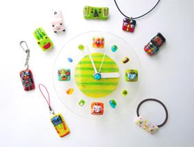 夏の期間限定 夏のスペシャルフュージング! ガラスのキラキラストラップ&ネックレス&まんまる時計。
