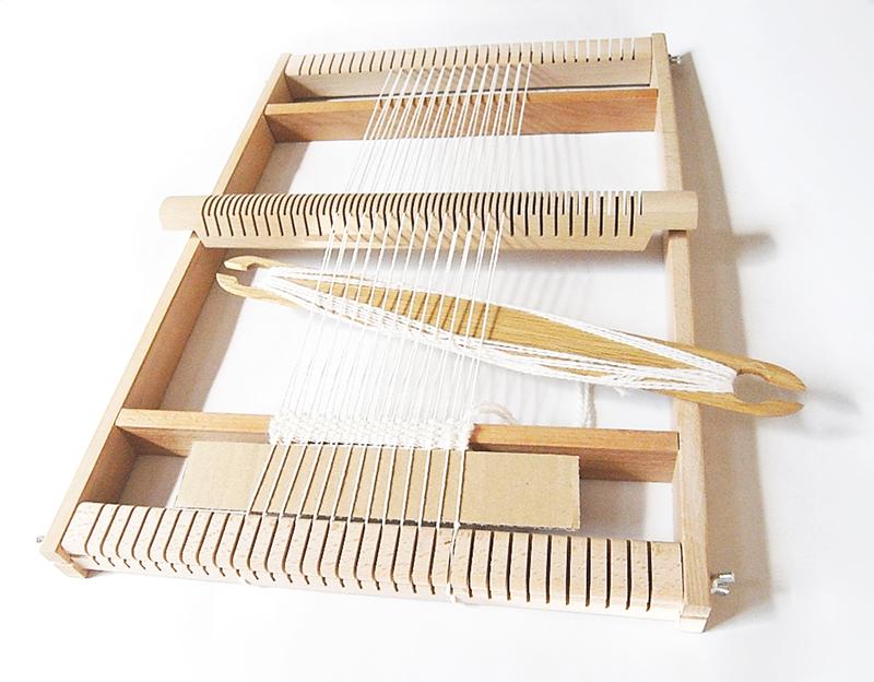 お家で楽しく織り体験! 無垢の木材でぬくもりのある手織り機作り