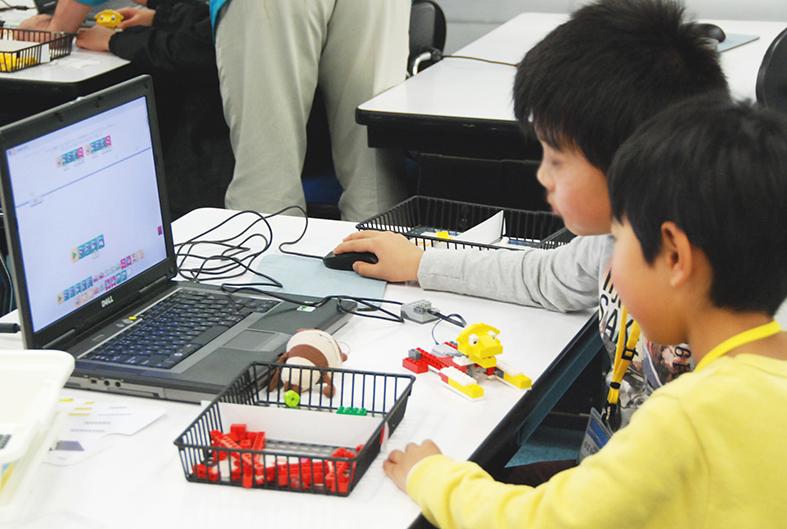 ロボット教室 「初めてのプログラミング・アドバンス ~レゴWeDoを使って~(12のアイテム)」