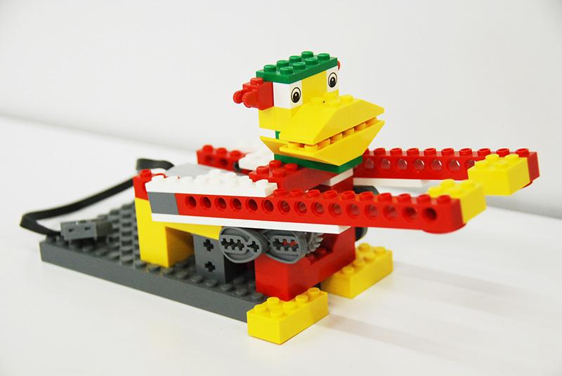 ロボット教室【親子教室】「初めてのプログラミング ~レゴWeDoを使って~(ドラミングモンキー)」