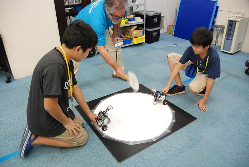 ロボット教室 「ブロックロボットでプログラミングに挑戦 レゴNXT中級(センサー操作)」
