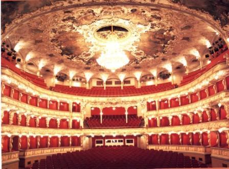 プラハ国立歌劇場 モーツァルト「魔笛」