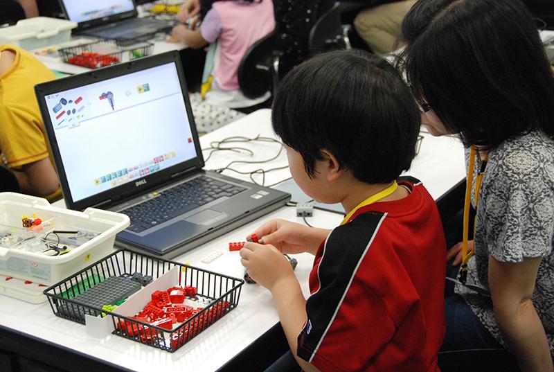PC教室/ロボット教室「初めてのプログラミング~レゴWeDo(親子教室)~」