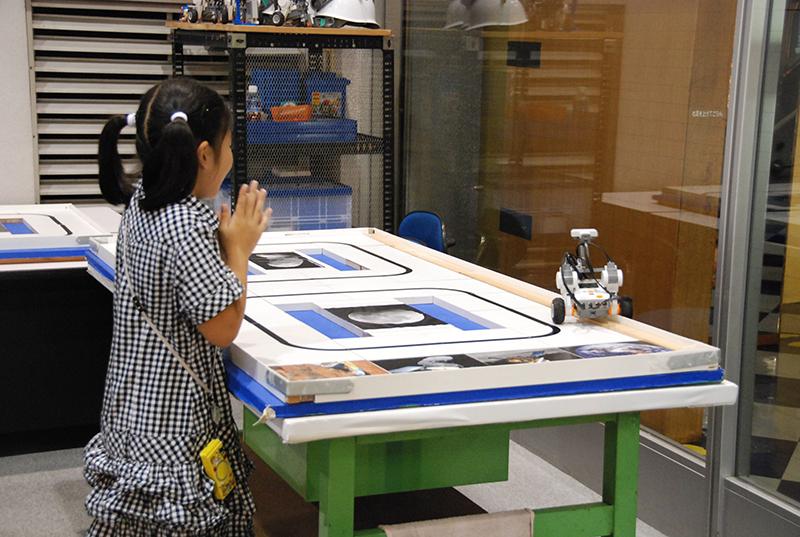 PC教室「ブロックロボットでプログラミングに挑戦 レゴNXT初級①」