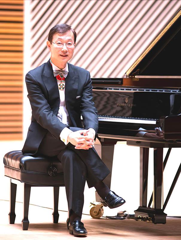予約受付中! 関 孝弘の ショパンの名曲に親しむピアノコンサート 普段着でご来場ください。