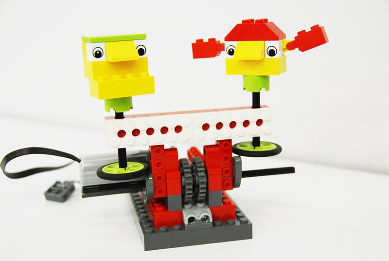 ロボット教室【親子教室】「初めてのプログラミング ~レゴWeDoを使って~(元気な応援団)」