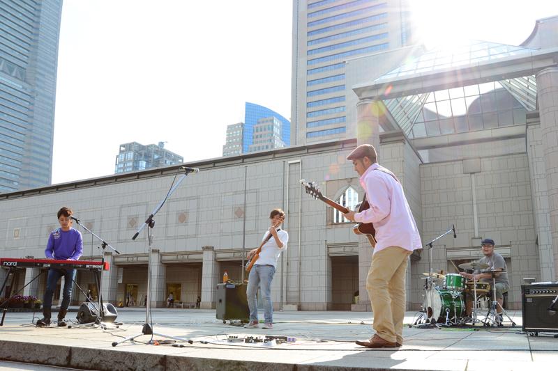 みなとみらい21事業着工30周年記念ライブ@美術の広場