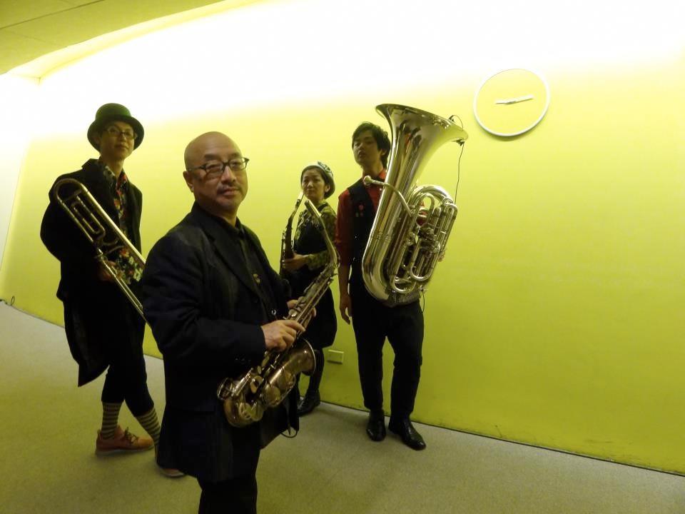 梅津和時ちびブラス+映画「カンタ!ティモール」