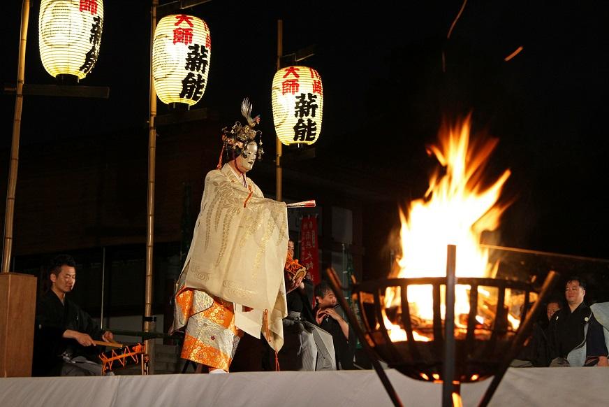 薪能〜風薫る宵のうつろいとともに堪能する幽玄の世界