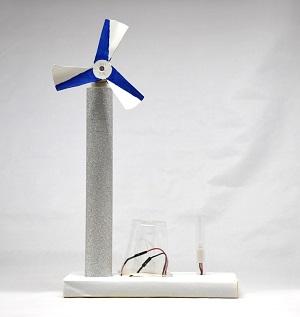 夏休み特別企画 「自由研究ラボ  -やってみよう!作ってみよう!-」 チャレンジ教室「タワー型風力発電機を作ろう」