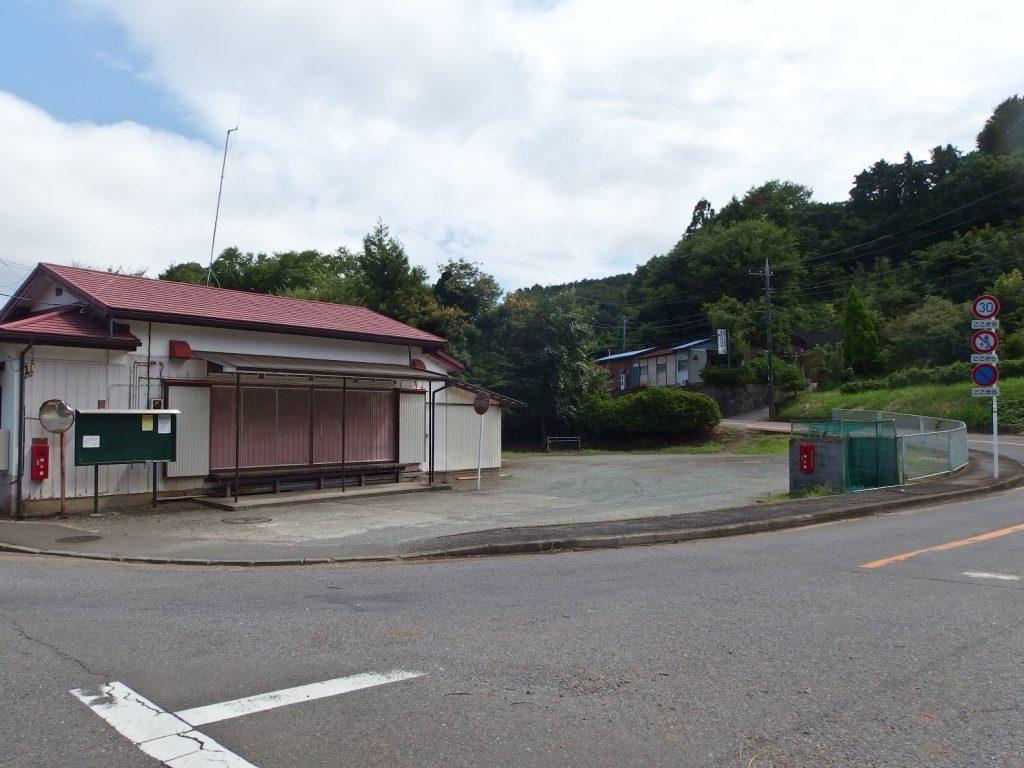 南矢名上部町内会館前広場