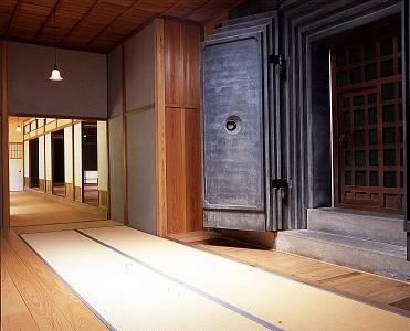 三溪園で楽しむ夏休み―横浜市指定有形文化財 鶴翔閣公開