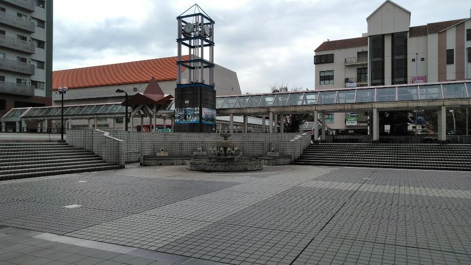 イオン本牧店2階 イスパニア広場