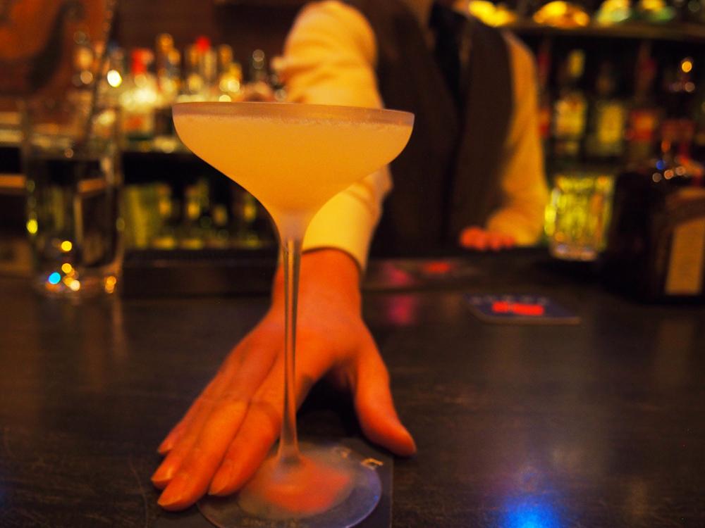 ノルウェー人の初代オーナーの思いを受け継ぐバーで飲む「オスロ」