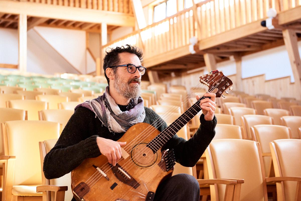 """世界著名吉他手皮諾(Pino)的訪談""""磁鐵文化"""""""