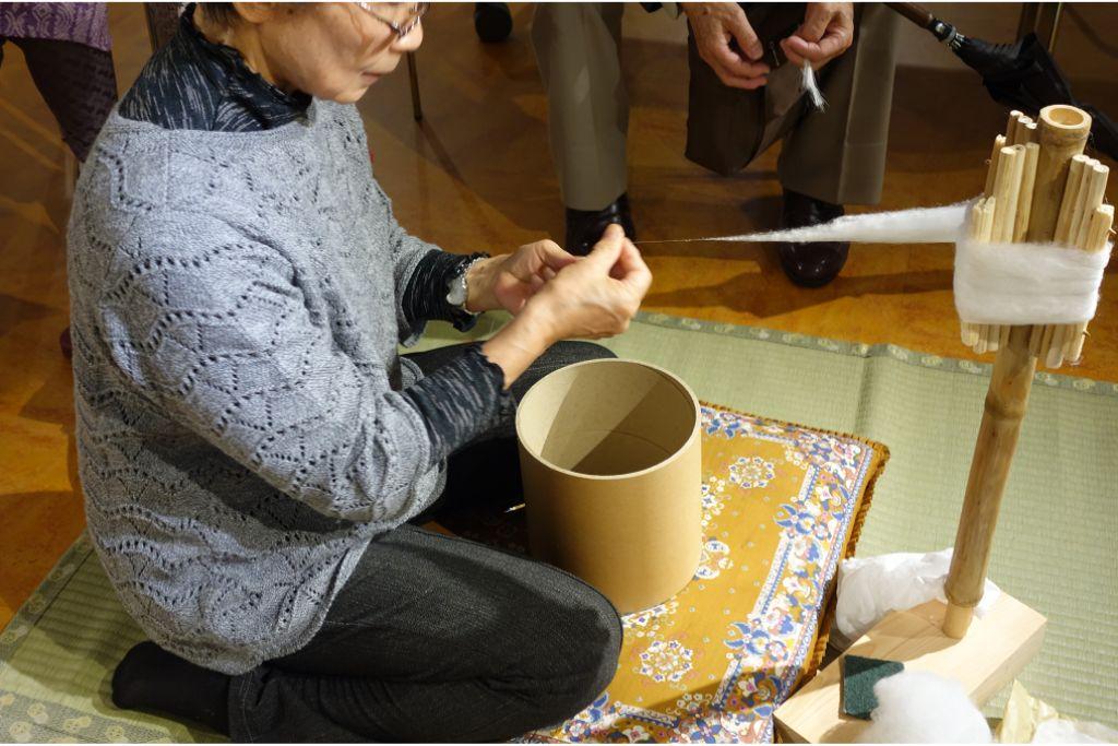 日本の養蚕農家で行われてきた手紬糸作りを間近で見てみよう!