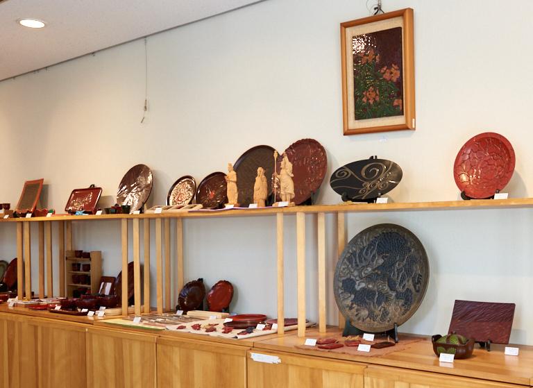 【鎌倉雕】傳統工藝品,帶有陰影的雕刻及深邃的漆色實在美麗