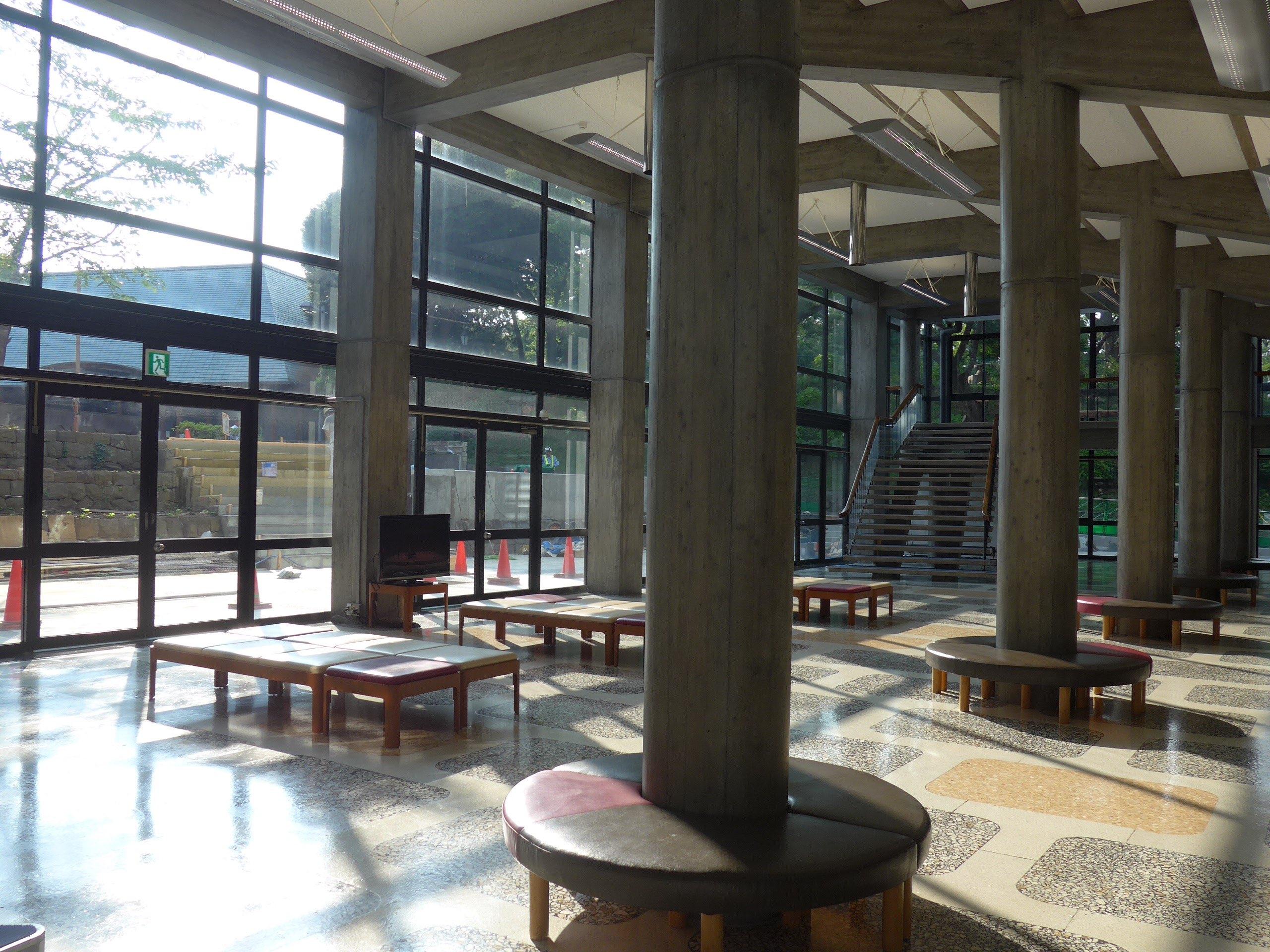 好听!好看!在县立音乐厅欣赏前川建筑的现代主义