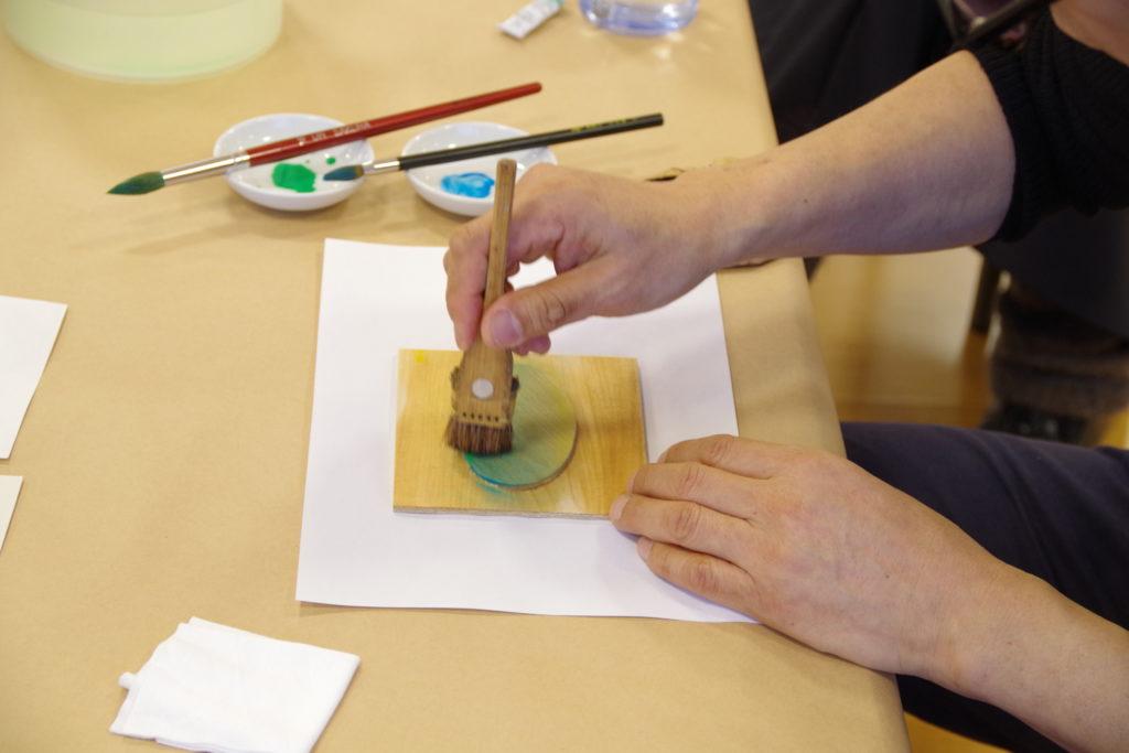 【c】  横浜市民ギャラリーコレクション展2020関連イベント ワークショップ「木版画摺り体験 摺りであらわす水辺の情景」