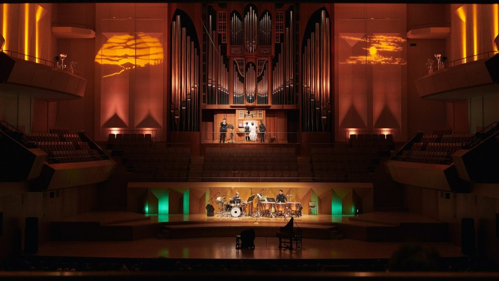 【d】  The flow of time with Lucy Ⅱ GRAND ORGAN GALA